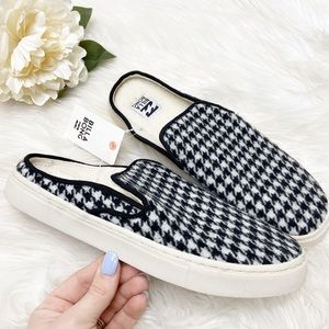 NWT Billabong Carefree Houndstooth Slip On Sz 9
